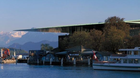 Cultural and Conference Centre, Lucerne, Switzerland (1993-2000). Photo: Philippe Ruault.